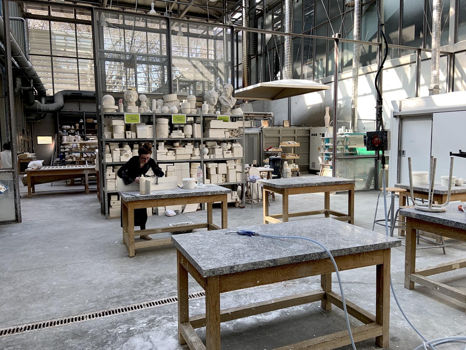Atelier céramique à l'école nationale supérieure d'art de limoges.